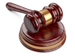 Банк выиграл суд у клиентов